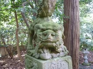 西宮社前の狛犬